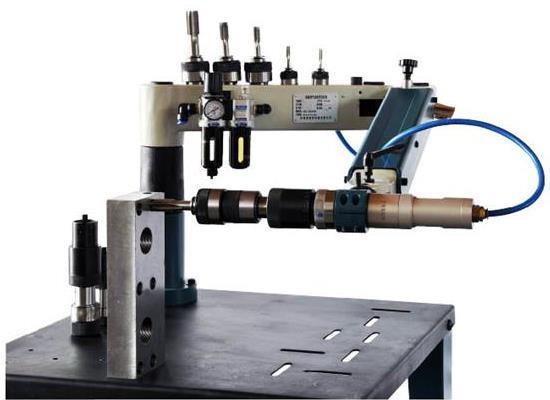 山东优科精流QII-R-M27型万向气动A型攻丝机