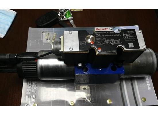 特價原裝力士樂比例換向閥4WREE10V75-2X/G24K