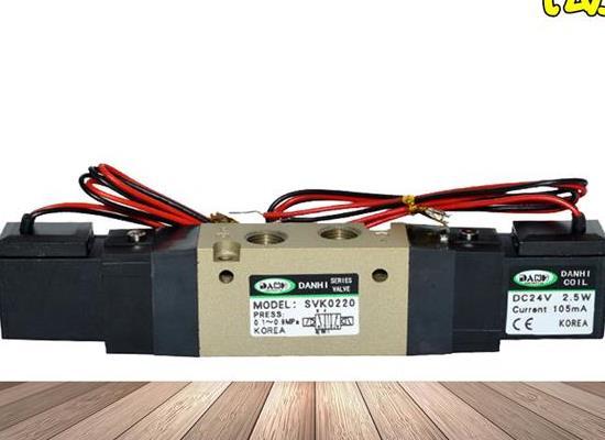 气动元件SVK0220双线圈2位5通电磁阀SYM气动换向阀