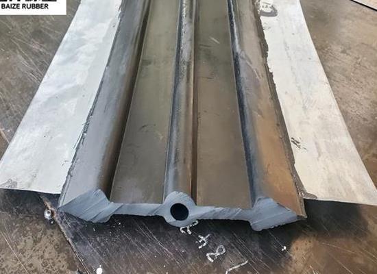 河北百泽中埋式钢边橡胶止水带应用范围