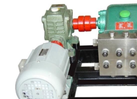 高压恭敬��道往复泵(3DP-4000/3)