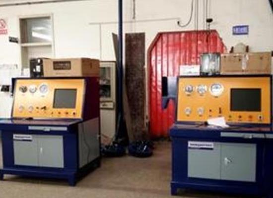 赛思特外测法水压试�验机