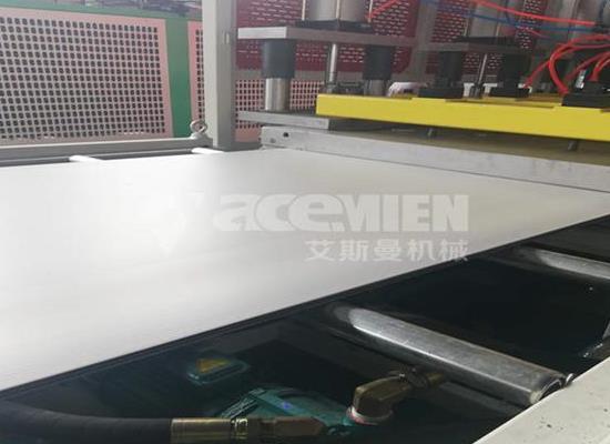 塑料建筑模板机器   中空塑料建筑模板设备供应厂家